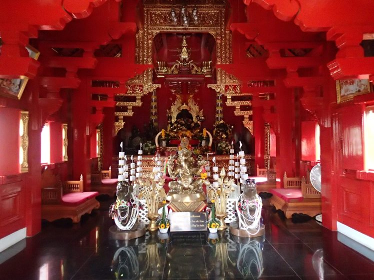 A surprising interior in a tiny old temple
